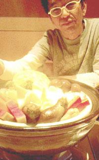 2010蒸し鍋とタニシ君.jpg